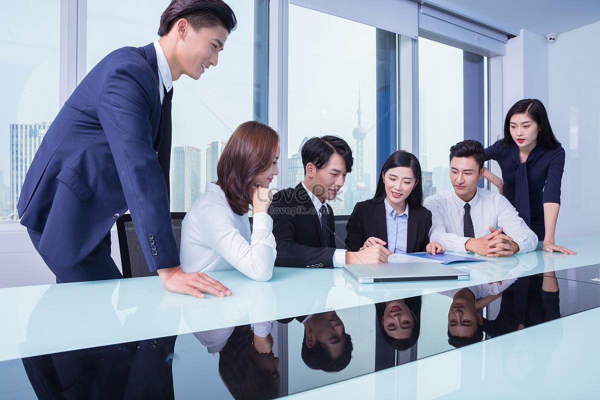 商务团队会议讨论图片素材编号500704804_prf高清图片