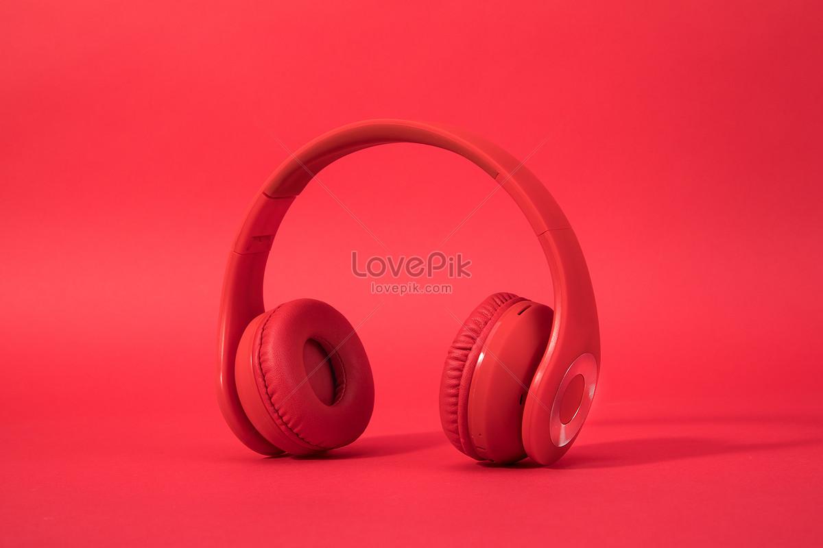 红色背景裏的头戴式耳机图片素材编号500863710_prf