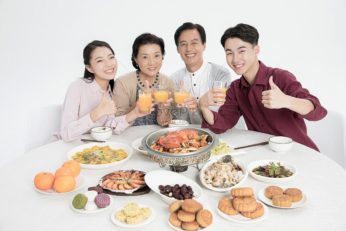 中秋团圆家庭聚餐图片素材编号501035925_prf高清图片