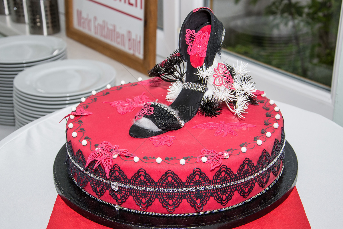 Special High Heel Birthday Cake Photo Imagepicture Free Download