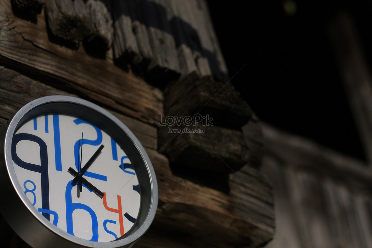 A Clock On The Wall Photo Imagepicture Free Download 506109lovepik