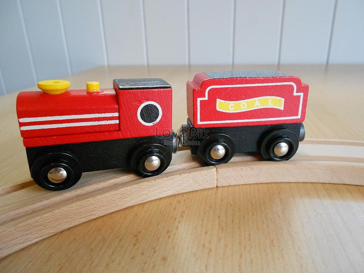 Carro De Juguete Rojo Imagen Descargar Foto 100243345 Jpg Imagen