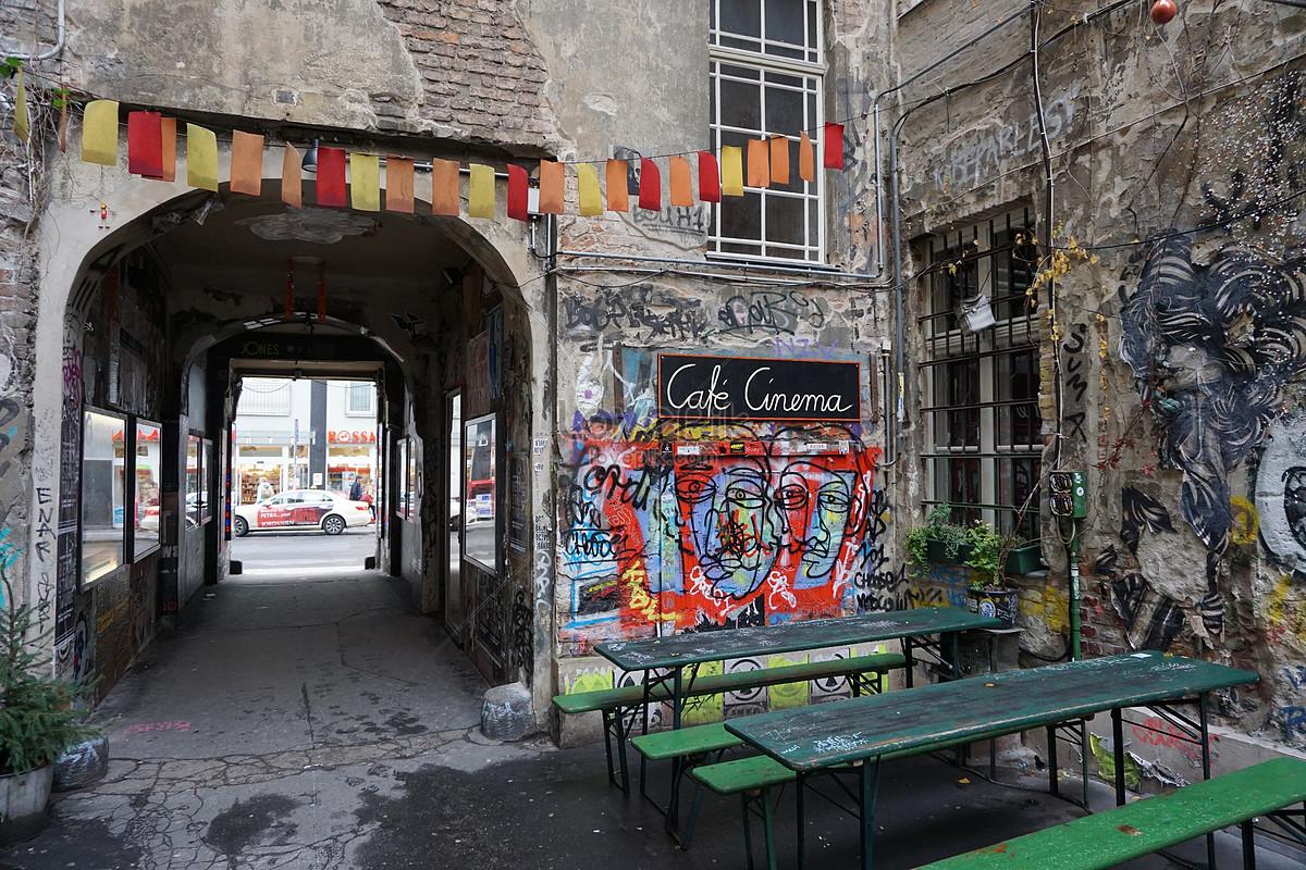 Photo de mur peint en gris_Numéro de l\'image100302944_Format ...