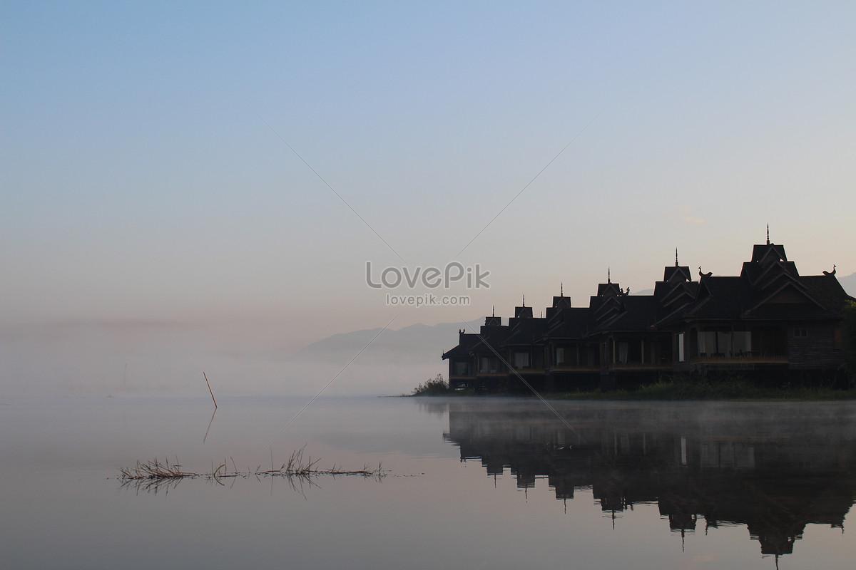 Pemandangan Indah Danau Dini Hari Gambar Unduh Gratis Foto