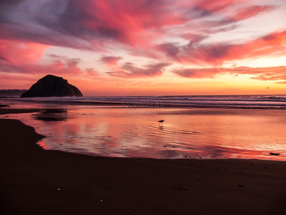 Pemandangan Senja Di Kejauhan Di Tepi Laut Gambar Unduh Gratisimej
