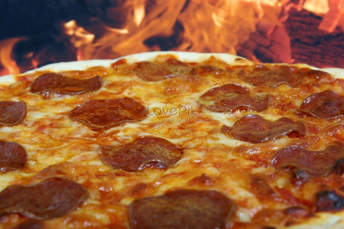xúc xích pizza xúc xích