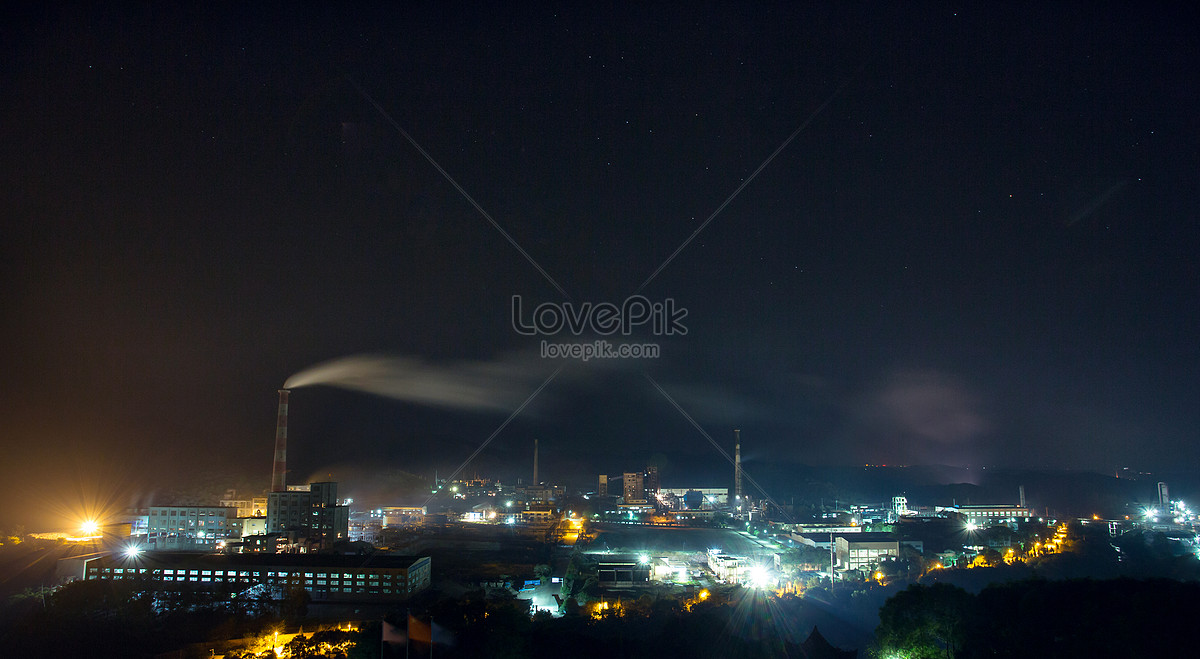 Night scene of chemical plant photo image_picture free
