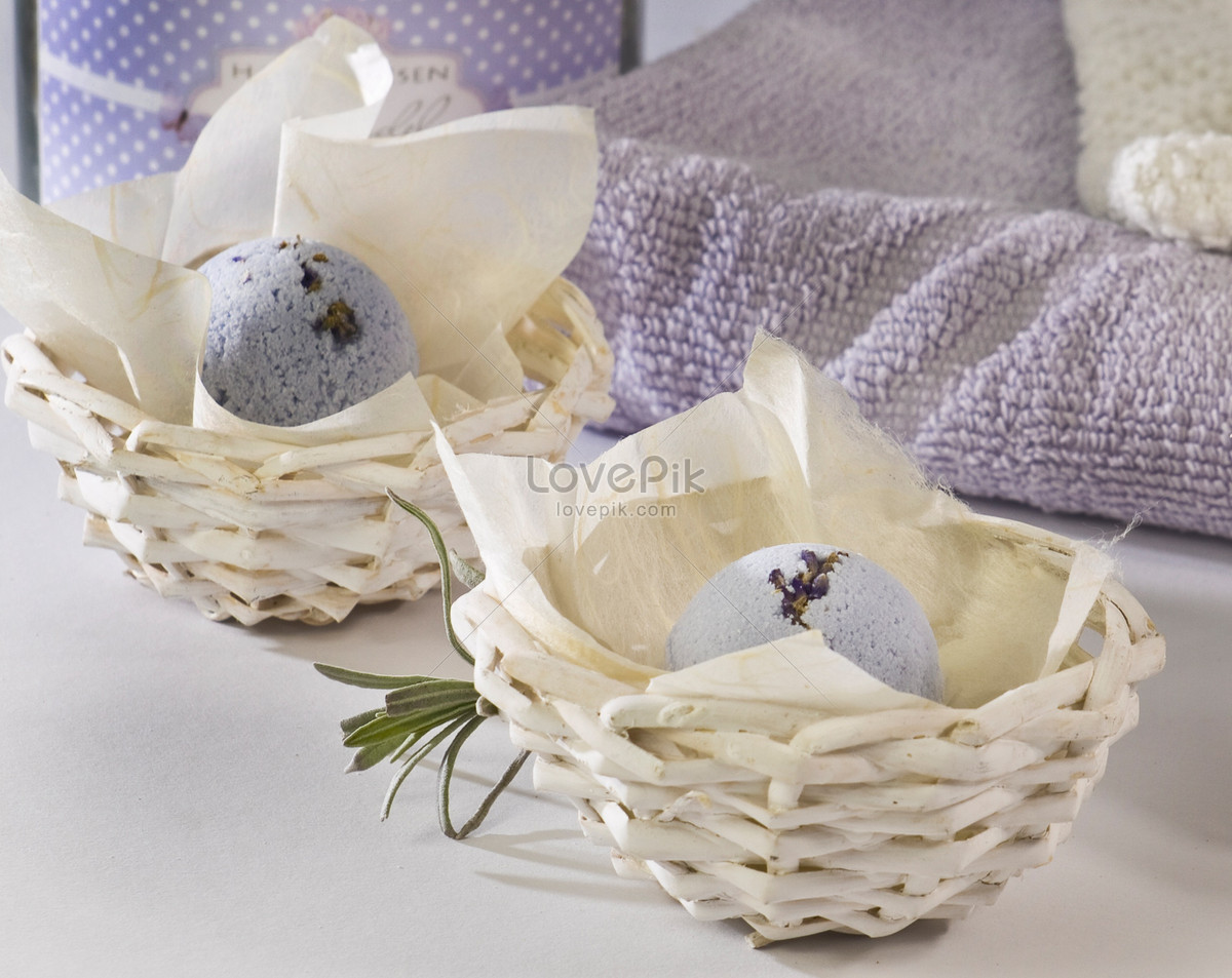 The bathroom baskets in the bath photo image_picture free download ...