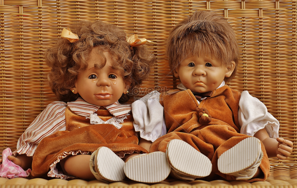 Two Sad Cartoon Dolls Photo Image Picture Free Download