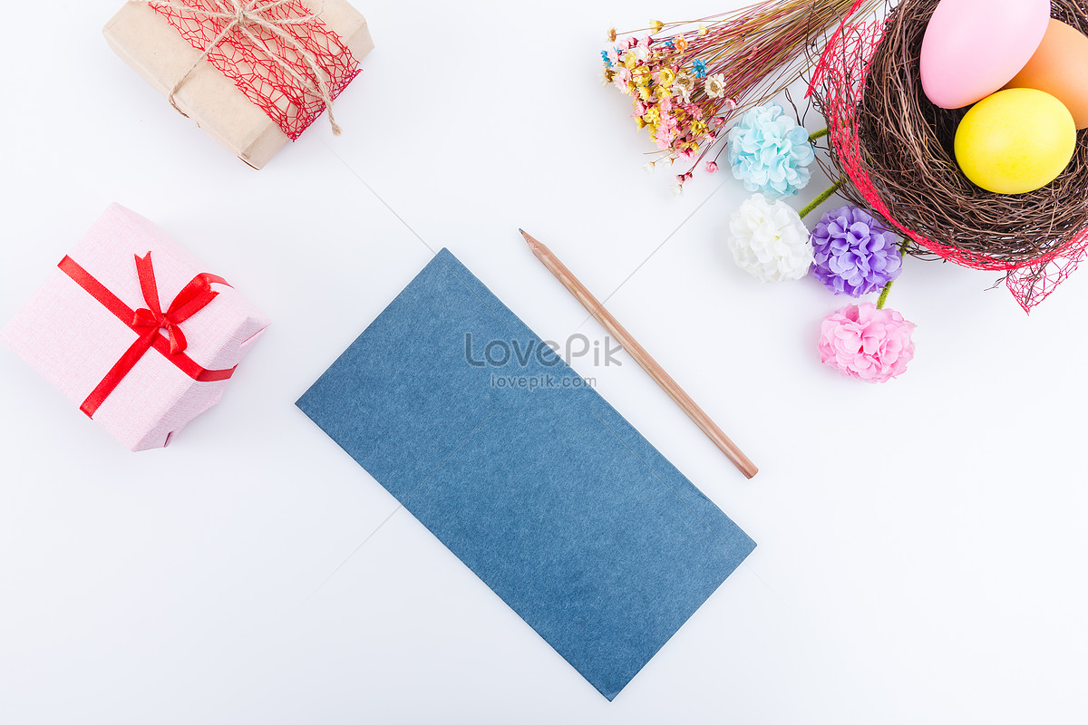 Easter Prepares Surprise Gifts To Write Greeting Cards Photo