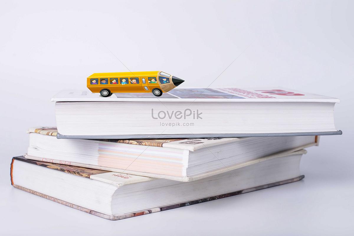 440+ Gambar Mobil Dengan Pensil Gratis Terbaik