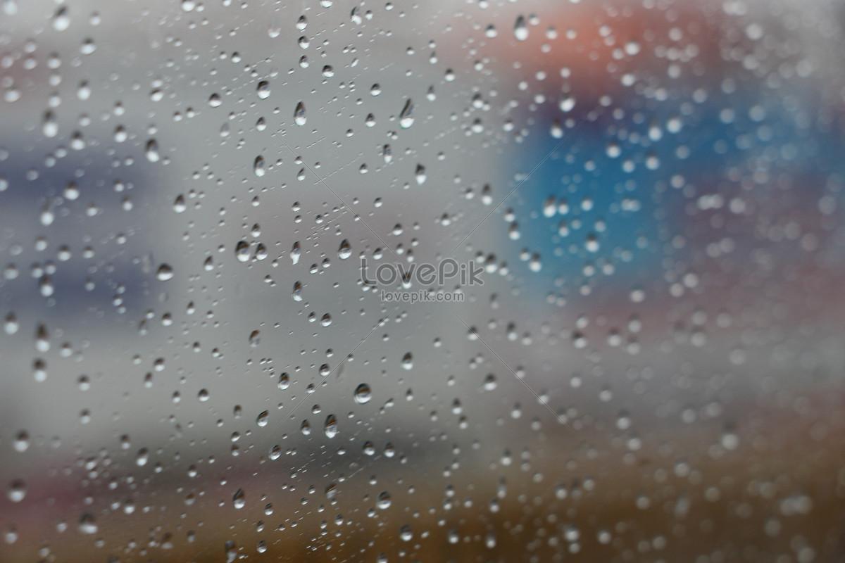 kính dưới trời mưa