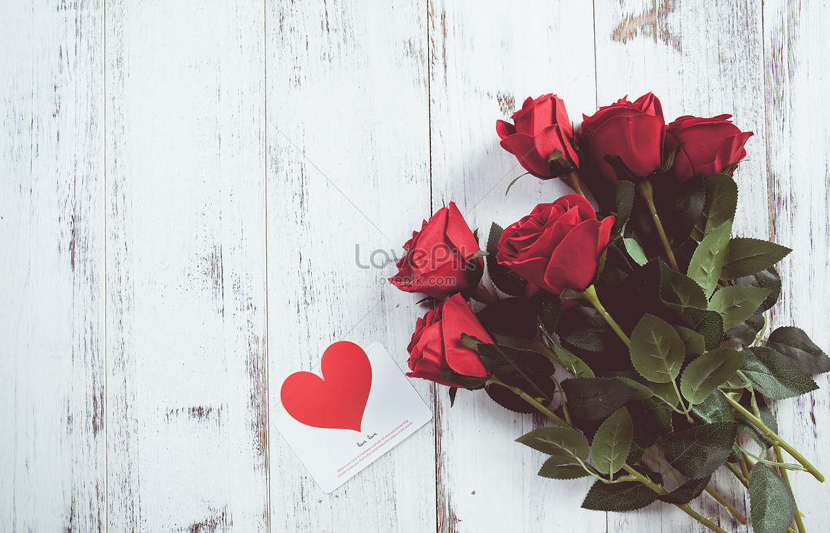A Rose Bouquet And A Greeting Card Photo Imagepicture Free Download