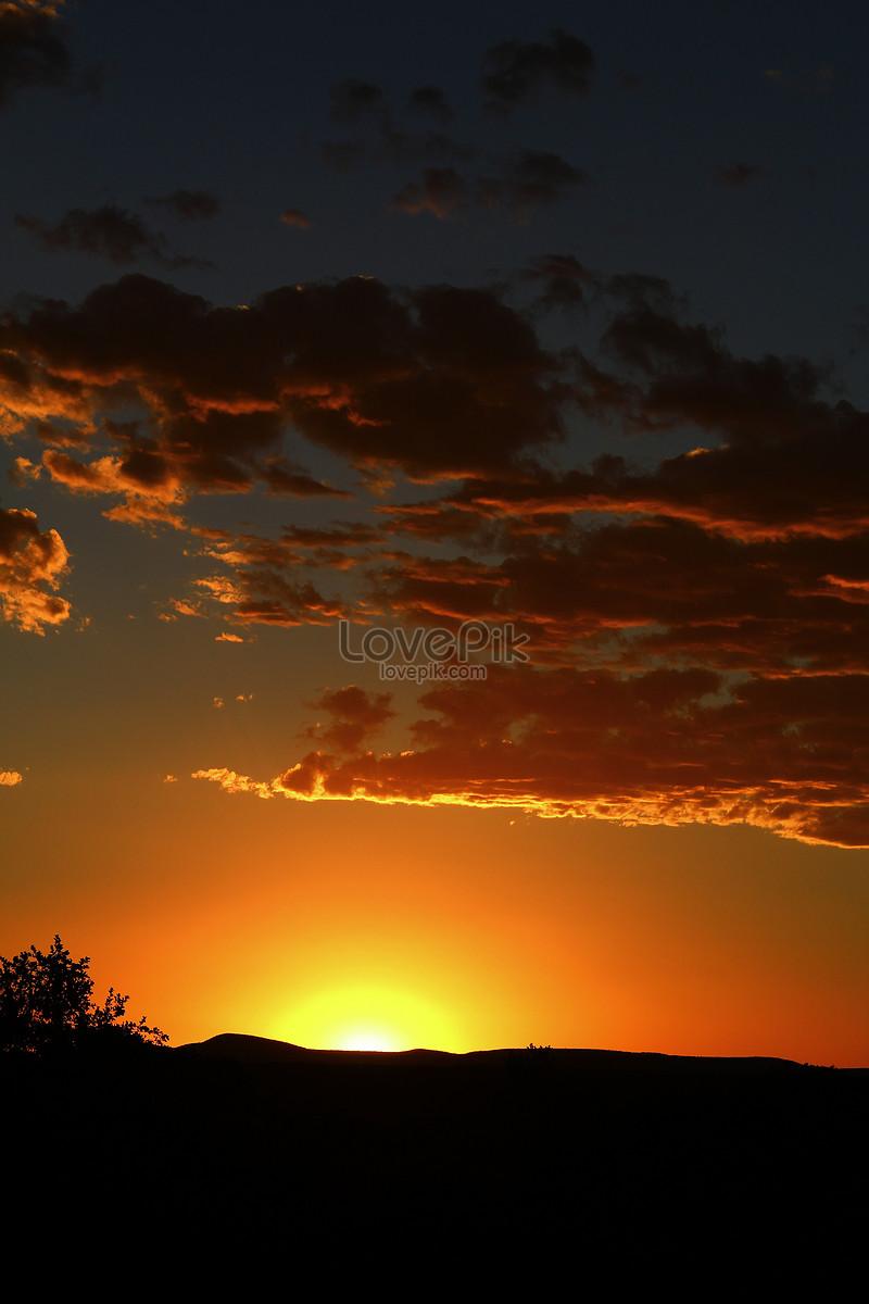Gambar Pemandangan Pantai Waktu Senja - Koleksi Gambar Terbaik