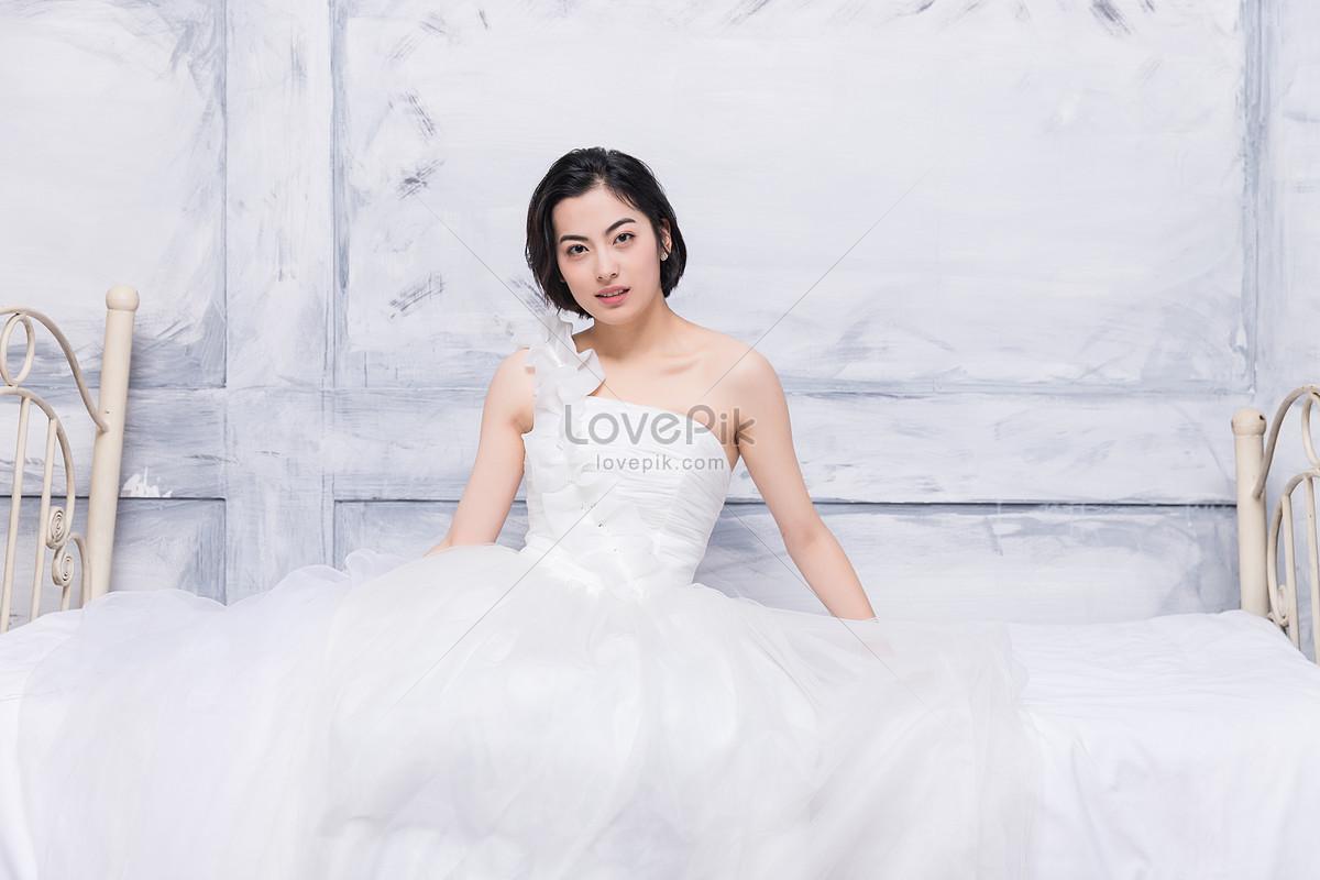Model Cantik Memakai Gaun Pengantin Gambar Unduh Gratis Imej