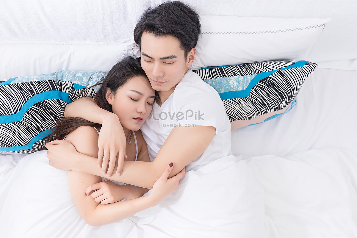 Bilder Zum Junge Paare Die Im Bett Liegen Und Stillstehen