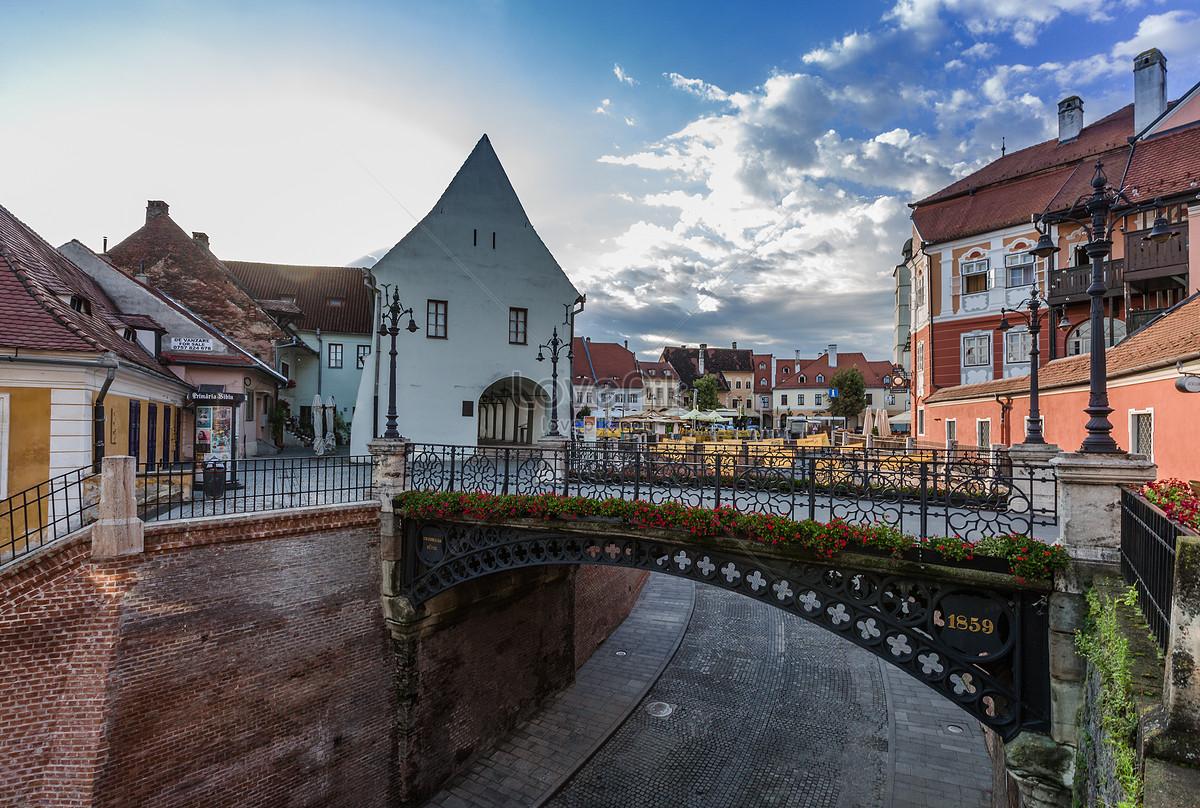 Pemandangan Indah Pemandangan Kota Matahari Terbit Eropah Gambar