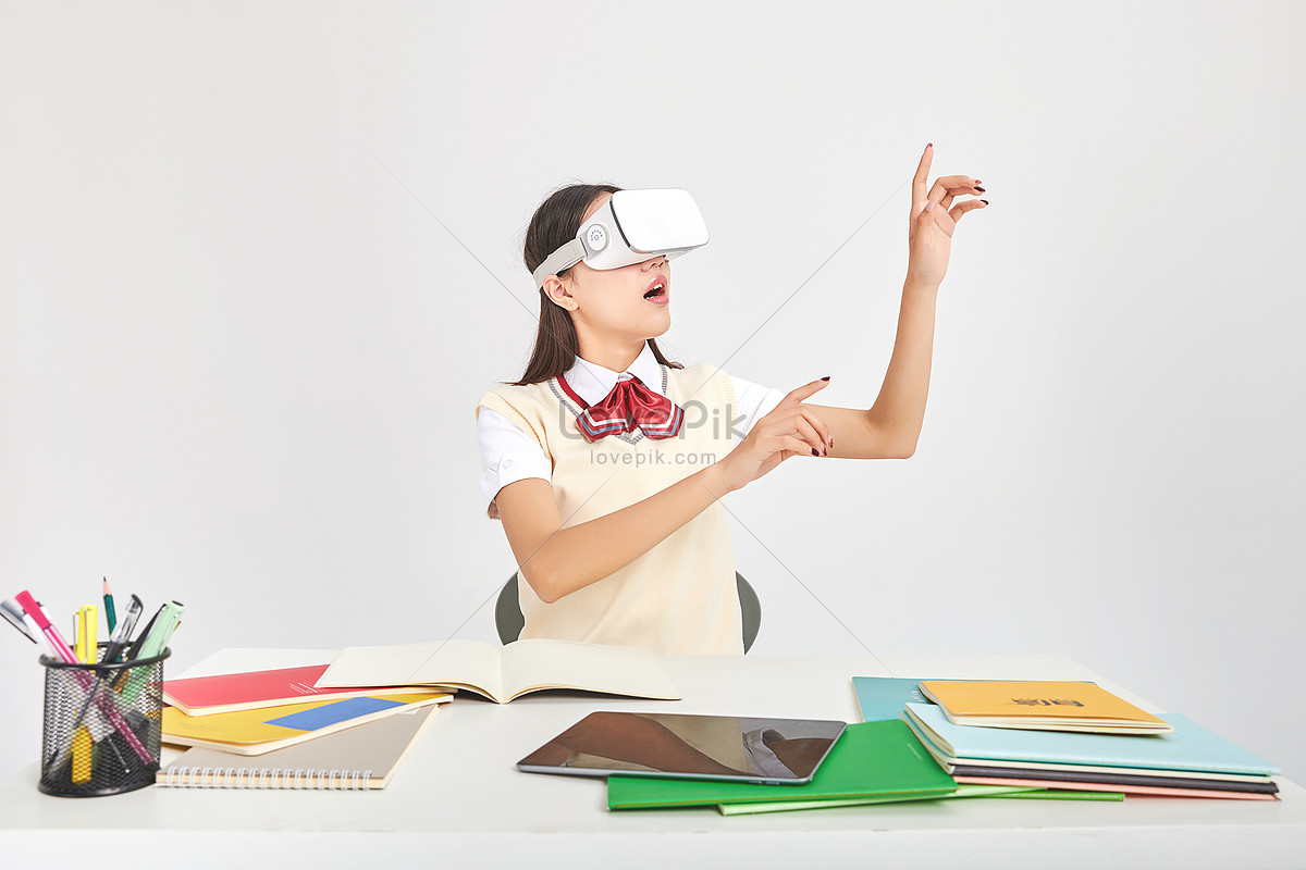 Virtual reality movement of female high school image photo.