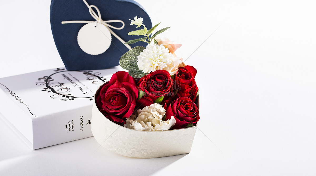 Gift Box Roses On The White Background Photo Imagepicture Free